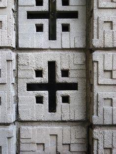 Frank Lloyd Wright. Concrete Block period. Millard House in Pasadena. 1923.