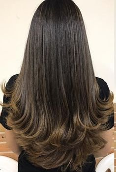 28 ideas haircut capas largas for 2019 Haircuts For Long Hair With Layers, Long Layered Haircuts, Long Hair Cuts, Brown Blonde Hair, Dark Hair, Hairstyles Haircuts, Pretty Hairstyles, Hair Color For Morena, Hair Trends