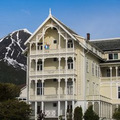 Kviknes Hotel - an extraordinary place to stay in Fjord Norway #Norway #DeHistoriske CH - Visitnorway.com