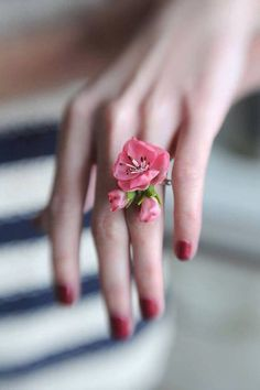Flower Ring ❤❤♥For More You Can Follow On Insta @love_ushi OR Pinterest @ANAM SIDDIQUI ♥❤❤