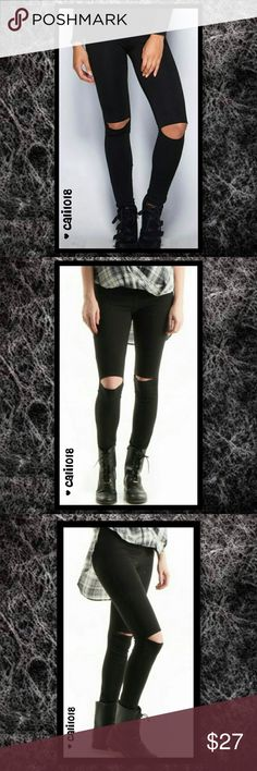 """2 LEFT🆕Black Knee Out Super Cool Leggings New """"Back in Stock"""" Knee Out High Waisted Leggings Material: 95% Cotton 5% Spandex Made In USA Fits True To Size Size: Small, Medium, Large Color: Black Style: Knee Out Style 💠💠PRICE FIRM UNLESS BUNDLED💠💠 Glam Squad 2 You Pants Leggings"""