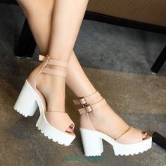 Women shoes Pumps Stilettos - Women shoes High Heels Boots - Women shoes Loafers Slip On Fashion Heels, Cute Fashion, Fashion Outfits, Emo Fashion, Fashion 2018, Chunky Shoes, Chunky High Heels, Chunky Sandals, Kawaii Shoes
