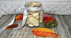 Hustenbonbons sollen helfen und schmecken. Wir zeigen dir, wie du deine Bonbons aus Kräutern und Birkenzucker / Xylitol selber herstellst.