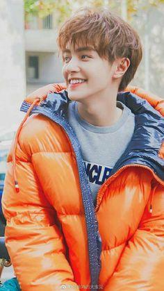 Handsome Korean Actors, Handsome Boys, Guang Hong, Hua Ze Lei, High School Love, Meteor Garden, Selfie Poses, Chinese Boy, Boy Hairstyles