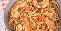 Recette de Spaghetti de konjac sautées aux crevettes, citron vert et lait de coco. Facile et rapide à réaliser, goûteuse et diététique.