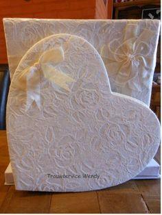Trouwservice Wendy - trouwbedankje luxe geschenken ringenkussen receptiealbum bruidsmandje huwelijkskaart taarttopper