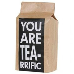 Gift idea: Fill a bag (or basket) with assorted teas, tea biscuits, a cute mug or two, and finish it off with a label like this. Tea crafty kids can do Tea Packaging, Pretty Packaging, Packaging Design, Design Fonte, Design Design, Design Ideas, Graphic Design, Tea Riffic, Tea Biscuits