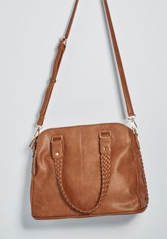 With this tan shoulder bag rounding out your ensemble, you feel inclined to take the day at your own pace! Jazzed up with braided handles and side seam. Fall Handbags, Burberry Handbags, Fashion Handbags, Purses And Handbags, Burberry Bags, Big Purses, Cute Purses, Louis Vuitton Bags, Satchel