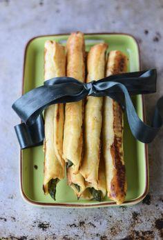 Grissini ripieni con asparagi e prosciutto
