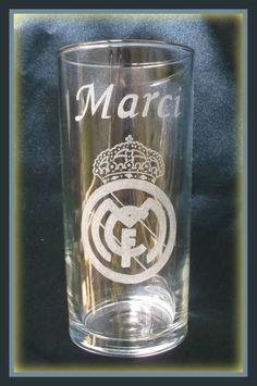 Gravírozott pohár #minibazár #gravírozás #realmadrid Real Madrid, Pint Glass, Beer, Glasses, Tableware, Root Beer, Eyewear, Ale, Eyeglasses