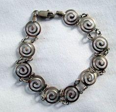 BRACELET  CIRCLES  Link  925  MEXICO  Sterling by MOONCHILD111, $19.95 https://www.etsy.com/shop/MOONCHILD111