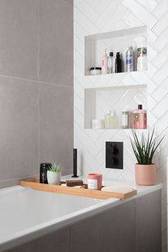 Lily Pebbles, Walk In Shower Designs, Yellow Bathrooms, Bathroom Inspiration, Bathroom Inspo, Bathroom Ideas, Bathroom Interior Design, Small Bathroom, Neutral Bathroom