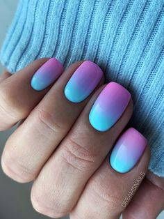 Cute ombre acrylic nails for summer Cute Summer Nails, Summer Acrylic Nails, Cute Summer Nail Designs, Teal Nail Designs, Summer Nail Polish, Stylish Nails, Trendy Nails, Florida Nails, Glow Nails