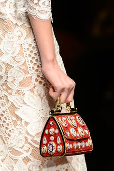Dolce & Gabbana: Close-up