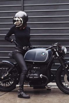 Girls and bikes - Custom R45 | Motorcycle lovers