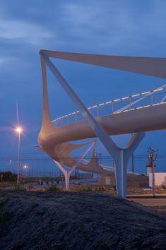https://www.archdaily.com/39664/knokke-footbridge-ney-partners/5011df9d28ba0d5f4c0000d6-knokke-footbridge-ney-partners-photo