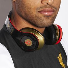 Official Liverpool FC Beats Studio™ Over Ear Headphones Last chance to buy!The Original Beats That Took The World By Storm. Dre was tired of spending months on a track only to have his fans Beats Studio Headphones, Over Ear Headphones, Beats By Dre, Liverpool Fc, Audiophile, Streetwear Fashion, Mens Fashion, Store, Rap