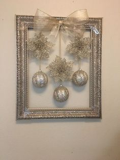 christmas decorations for sale in phoenix az - weihnachtsbasteln - noel Christmas Balls, Simple Christmas, Christmas Holidays, Christmas Gifts, Christmas Ornaments, Diy Christmas Frames, Christmas Music, Christmas Staircase, White Christmas
