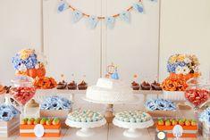 Quitandoca Fotografia-6. Mesa do bolo simples e linda no tema Cinderela para aniversário de menina.