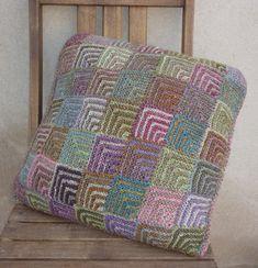 coussin carrés from Elle Tricote