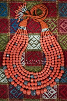 Traditional Ukrainian coral bead necklace (namysto) by Olga Troyan (Makoviya)