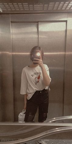Badass Aesthetic, Film Aesthetic, Aesthetic Girl, Cool Girl Pictures, Best Friend Pictures, Girl Photos, Cute Girl Poses, Girl Photo Poses, Teen Photography Poses