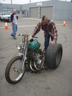 it would be awesome if someone refabed this into a drag motorcycle