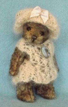Bears, Christmas Crafts, Teddy Bear, Artist, Pattern, Handmade, Animals, Women, Hand Made