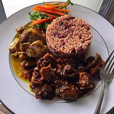 Who still hasn't eaten Sunday dinner yet? Recipe at http://jamaicans.com/oxtail/  by @ts.jay______ #oxtail #foodporn #jamaicanfood #jamaican #Recipe #wejaminate