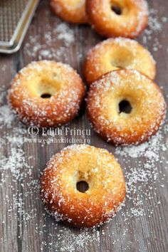 Dukan baked donuts - for any phase. If the recipe is not in English click the translate button.