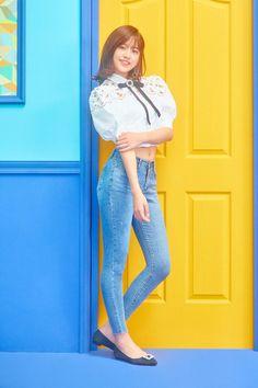an yujin pics ( Kpop Girl Groups, Kpop Girls, Gfriend Sowon, Yu Jin, Japanese Girl Group, Famous Girls, The Wiz, Beautiful Asian Girls, Hottest Photos