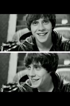 Jake bugg smiling
