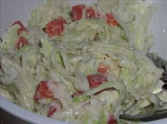 WEIGHT WATCHERS COLESLAW = Another fantastic recipe from my Weight Watcher leader. 1 points per serving = 1 ounce) package coleslaw mix cup fat-free mayonnaise 3 teaspoons Sweet 'n Low 1 dash cayenne pepper garlic powder celery seed salt and pepper== Ww Recipes, Skinny Recipes, Light Recipes, Cooking Recipes, Healthy Recipes, Healthy Meals, Vegetarian Recipes, Healthy Food, Recipies