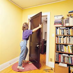 10 tips for solo DIY projects: Heavy-Door Hanging Tip. Get the tips: http://www.familyhandyman.com/smart-homeowner/home-safety-tips/tips-for-easier-diy-when-you-work-by-yourself