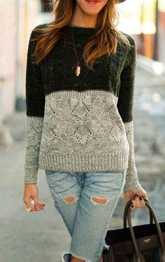 Sweater bicolor y delantero calado