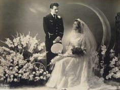 an old wedding photo belonging to a friend of mine! how gorgeous!