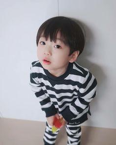 Cute Asian Babies, Cute Babies, Kids Boys, Cute Boys, Ulzzang Kids, Baby On The Way, Rainbow Baby, Newlyweds, Baby Toys