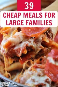 Need a budget meal for a big family (without Ramen)? Get 39 cheap meals for large families and save money without sacrificing taste! Slow Cooker Recipes, Crockpot Recipes, Chicken Recipes, Pasta Recipes, Keto Recipes, Cheap Recipes, Free Recipes, Cooking Recipes, Cooking On A Budget
