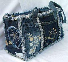Artisanats Denim, Denim Purse, Denim And Lace, Denim Bag Patterns, Blue Jean Purses, Denim Patchwork, Denim Quilts, Denim Handbags, Mode Jeans