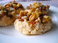 Raw Maple-Cinnamon Coconut Cookies