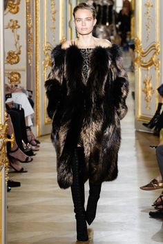 J. Mendel Fall 2016 Couture Fashion Show - Anna Mila Guyenz (IMG)