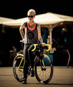FIXED GEAR GIRL TAIWAN: Kelli Samuelson @ 2014 Barcelona RED HOOK CRIT