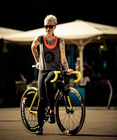 FIXED GEAR GIRL TAIWAN: Kelli Samuelson @ 2014 Barcelona RED HOOK CRIT