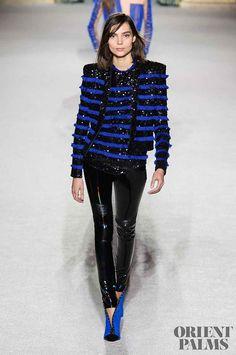 Balmain at Paris Fashion Week Fall 2018 - Runway Photos London Fashion Weeks, Fashion Week Paris, Autumn Fashion 2018, Fashion 2017, Runway Fashion, Fashion Brands, Fashion Show, Fashion Outfits, Womens Fashion