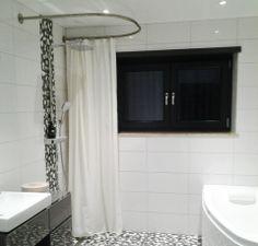 1000 id es sur le th me tringle de douche sur pinterest - Barre rideau de douche ronde ...