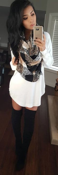Fantastic Winter Outfits To Stand Out From The Crowd, WİNTER OUTFİTS, white and black long-sleeved midi dress. Winter Dress Outfits, Komplette Outfits, Fall Winter Outfits, Casual Outfits, Fashion Outfits, Dress Fashion, Dress Winter, Casual Shoes, Winter Boots