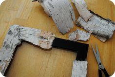 DIY Tutorial - How to make a rustic and natural birch bark frame. Step-by-step instructions.