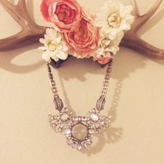 Crystal Bib Statement Necklace In perfect condition! Adjustable clasp Jewelry Necklaces
