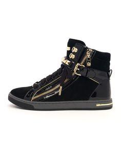 Michael Kors Studded High-Tops Love my new kicks! Black High Top Sneakers, Studded Sneakers, Black High Tops, Leather Sneakers, Shoes Sneakers, Wedge Sneakers, Top Shoes, Black Shoes, Skate