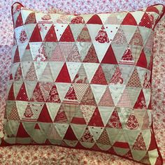 This is the first of the Pillow Palooza challenge posts. The pillows I will be posting in the coming days were made by our very talented Quilted Moose customers. Show them your love. #pillows #pillowpalooza #redandwhitequilt #quiltedmoose #quilt #mooseitup